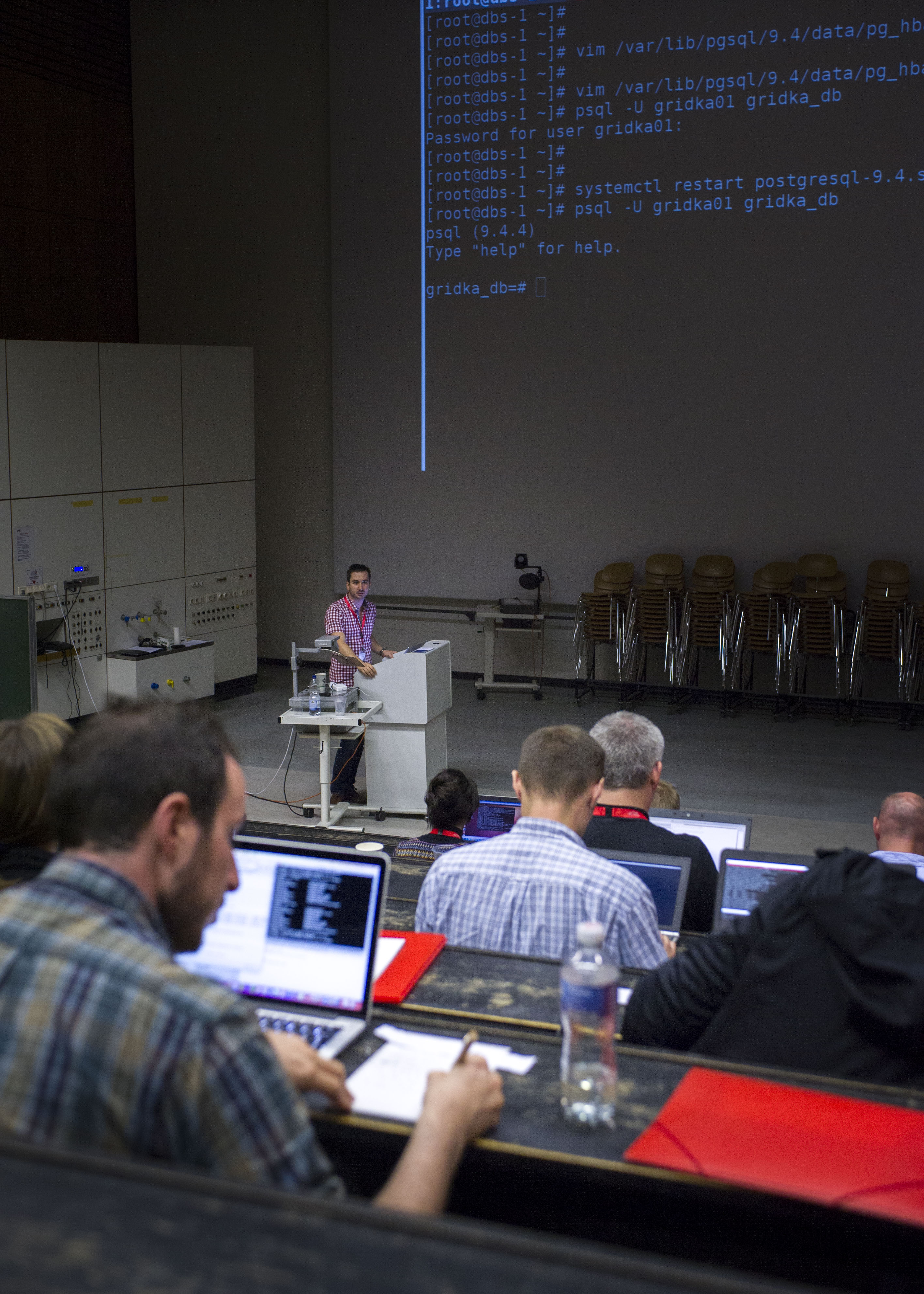 Application development with relational and non-relational databases with Mario Lassnig (photo by Tanja Meissner, KIT)